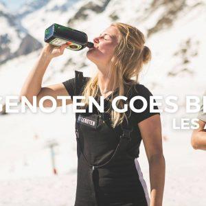 Bontgenoten brengt hun feest naar de ski-piste in Frankrijk