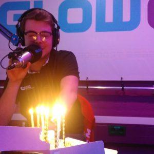 Niels wordt overvallen op zijn verjaardag