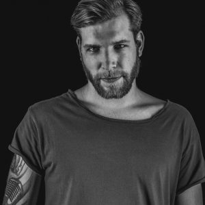 GlowDeep-resident Ferreck Dawn opent The Flying Dutch
