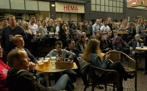 Franse en Belgische fans keken halve finale samen in Eindhoven