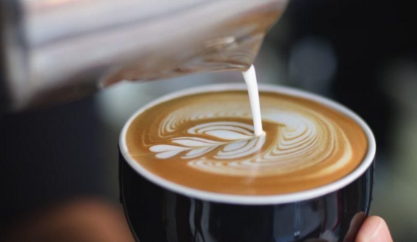 [De Vrijdagmiddagshow] Het Coffeelab organiseert een Latte Art Throwdown