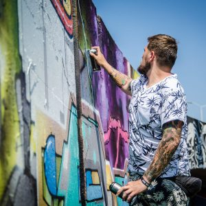 [De Vrijdagmiddagshow] Step In The Arena viert tiende editie graffitifestival in Eindhoven